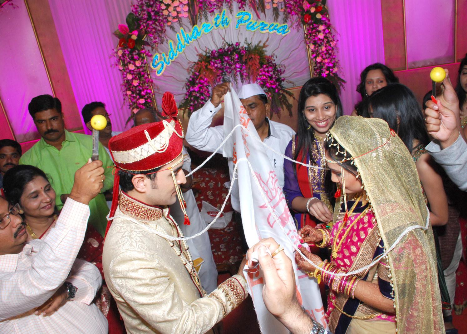 Marathi Bride And Groom by vivek mishra  Wedding-photography | Weddings Photos & Ideas