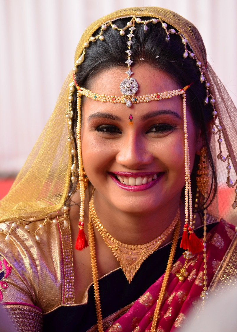 Pretty Bride by vivek mishra  Wedding-photography Bridal-jewellery-and-accessories Bridal-makeup | Weddings Photos & Ideas