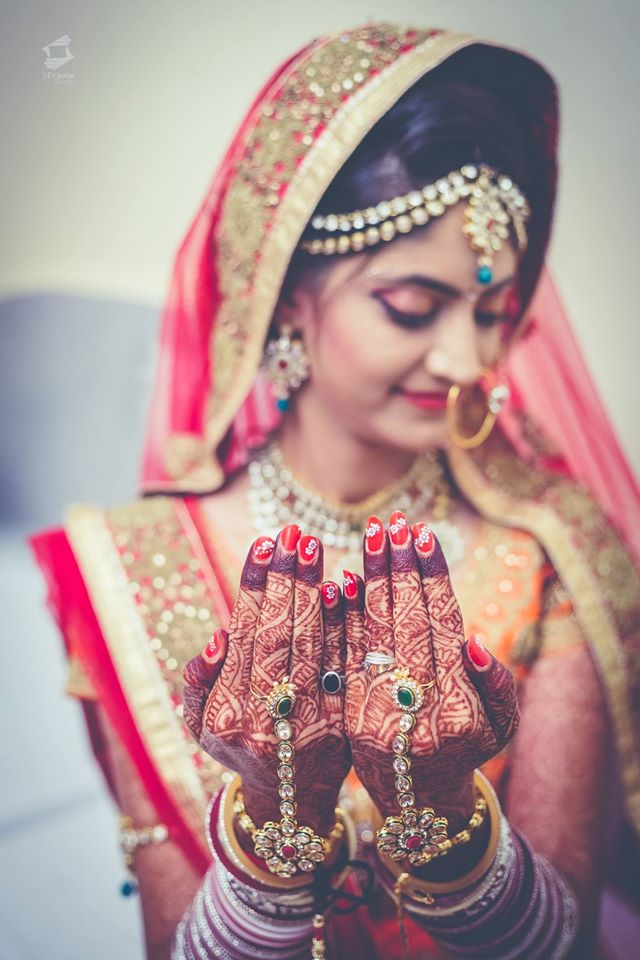 Lovingly Charm by 5Frame Studio Wedding-photography Bridal-mehendi | Weddings Photos & Ideas