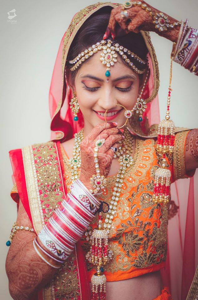 Adoring by 5Frame Studio Wedding-photography Bridal-jewellery-and-accessories | Weddings Photos & Ideas