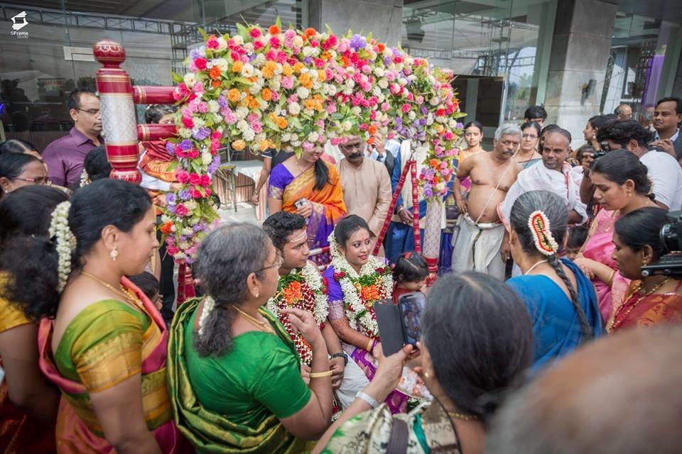 Grand Welcome Of Newlyweds by 5Frame Studio Wedding-photography | Weddings Photos & Ideas