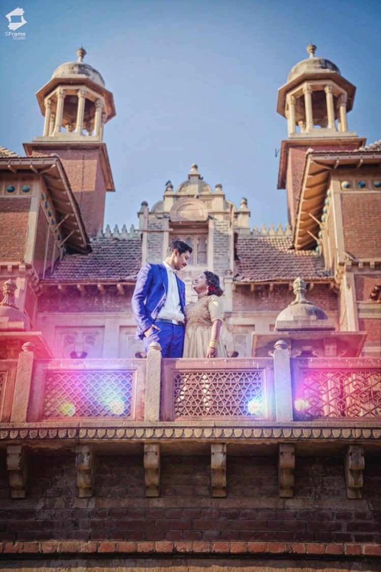Pose At The Haveli by 5Frame Studio Wedding-photography | Weddings Photos & Ideas