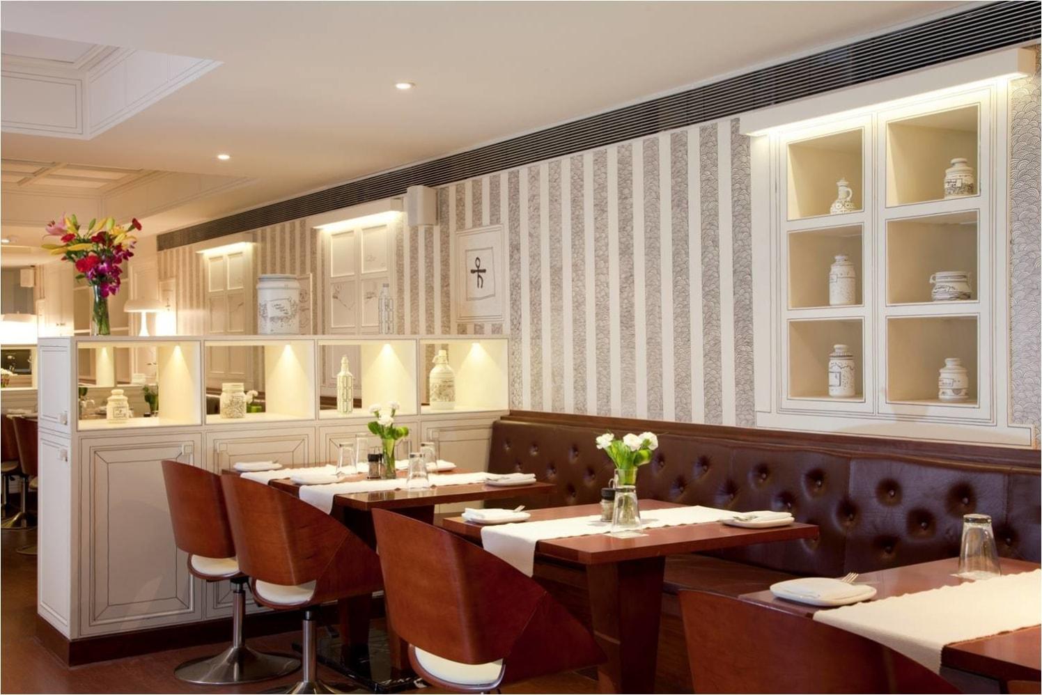 Modern Restaurant! by Red Touch Interior & Retail Designers Modern | Interior Design Photos & Ideas