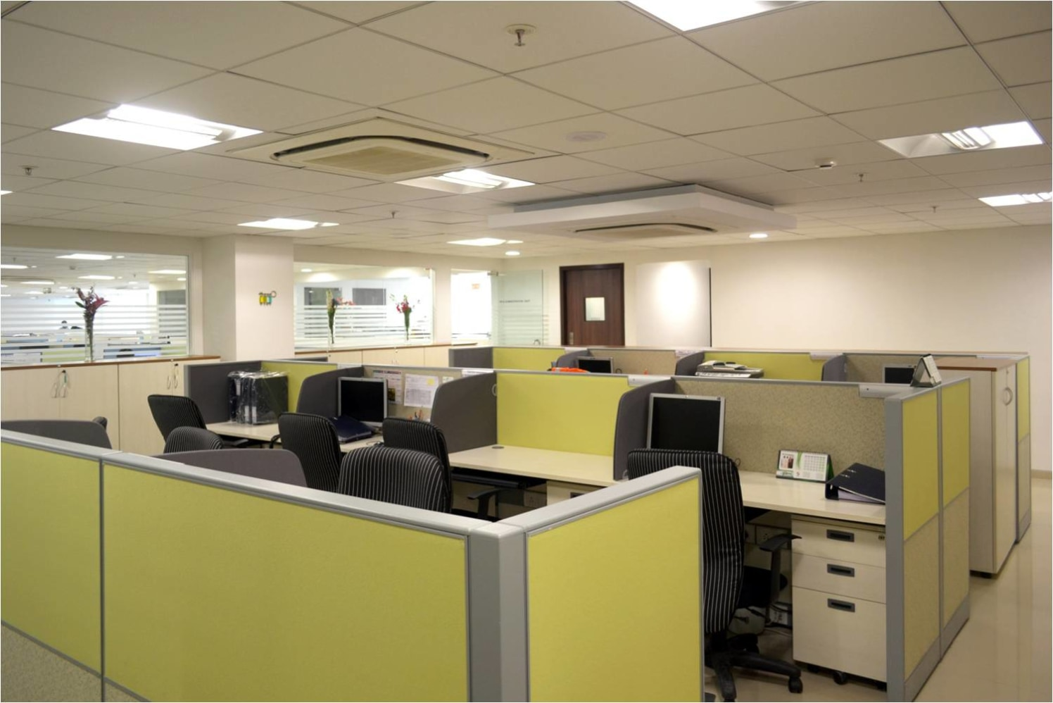 Modern Office Area! by Red Touch Interior & Retail Designers Modern   Interior Design Photos & Ideas