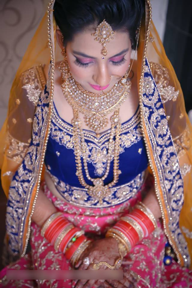 Bride Wearing Delicate Bridal Jewelery by Mohit Wedding-photography Bridal-jewellery-and-accessories Bridal-makeup | Weddings Photos & Ideas