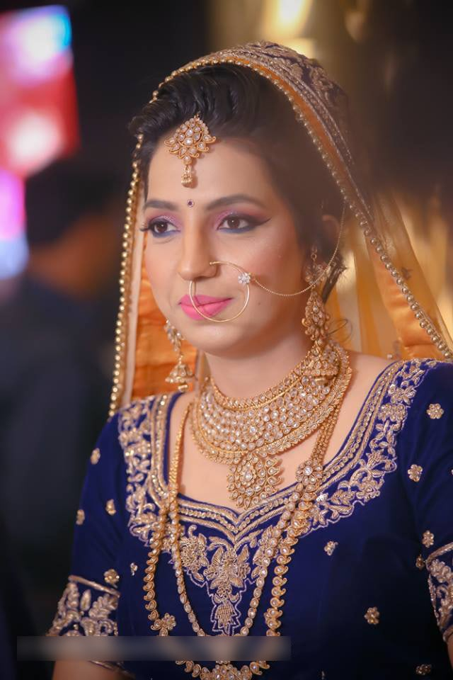 Gold And Polki Kundan Bridal Jewellery For Wedding Day by Mohit Wedding-photography Bridal-jewellery-and-accessories Bridal-makeup | Weddings Photos & Ideas