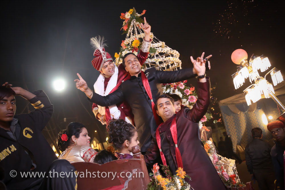 Groom With His Friends On Wedding Day by Mohit Wedding-photography | Weddings Photos & Ideas