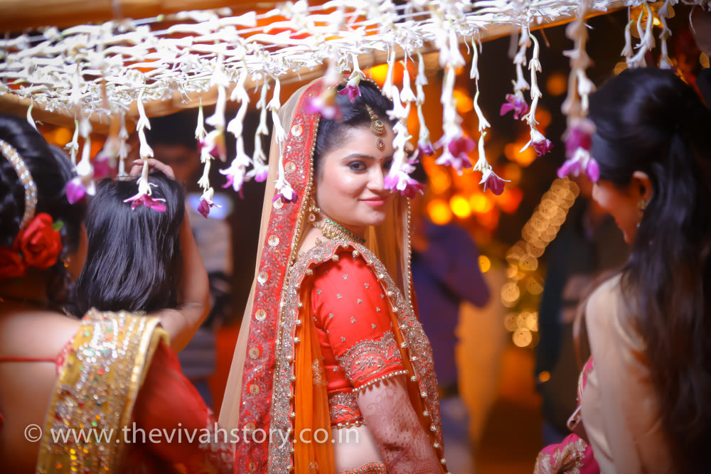 Graceful Bride Wearing Natural Makeup by Mohit Wedding-photography Bridal-makeup | Weddings Photos & Ideas