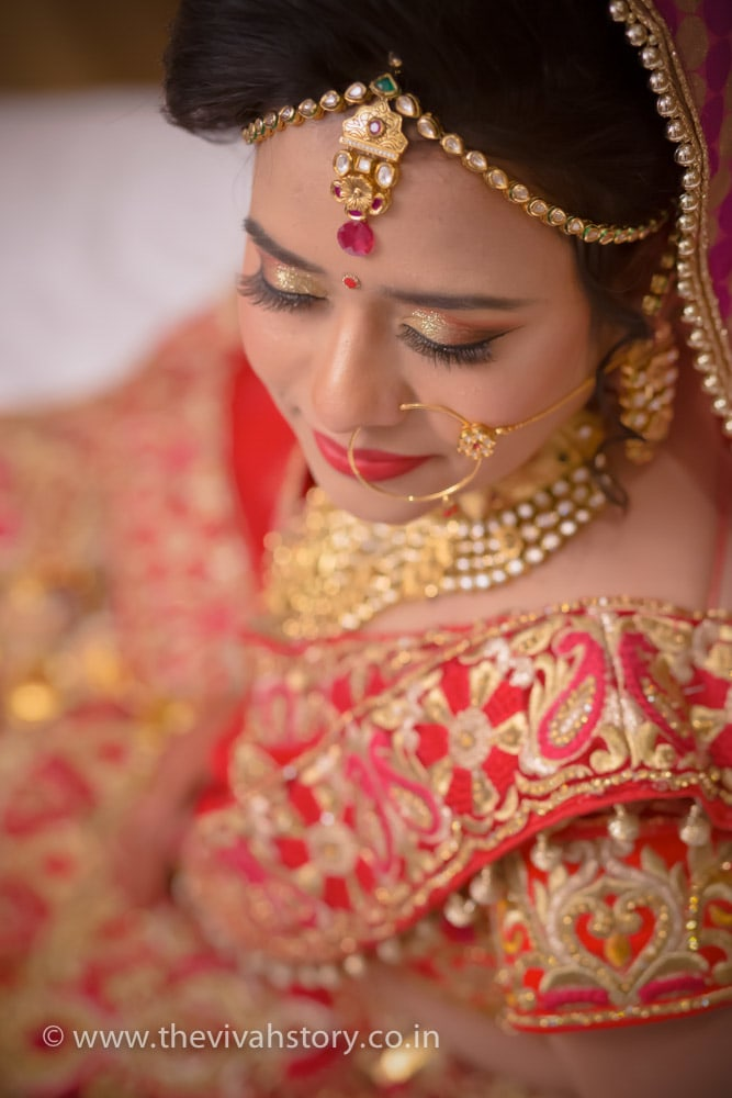 Bride Adorning Polki Kundan Jewellery For The Wedding by Mohit Wedding-photography Bridal-jewellery-and-accessories Bridal-makeup | Weddings Photos & Ideas