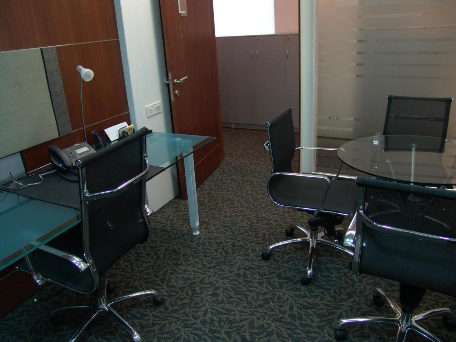 Comfortable office space by Entrix Shahkir Shaik Modern | Interior Design Photos & Ideas