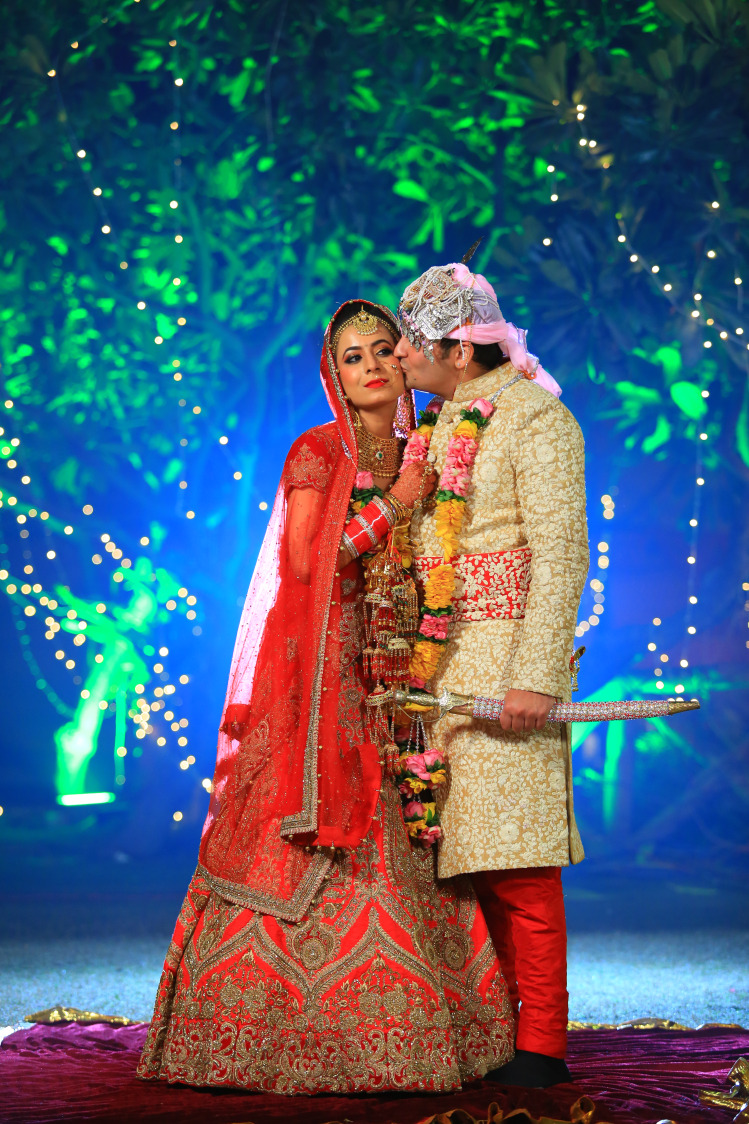 Bride and Groom Wearing Stunning Combination Outfits by Amit Kumar Wedding-photography Groom-wear-and-accessories Wedding-dresses | Weddings Photos & Ideas