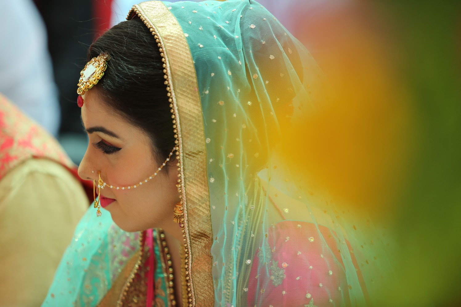 Bride Wearing Stunning Bold Eye Makeup by Amit Kumar Wedding-photography Bridal-makeup | Weddings Photos & Ideas