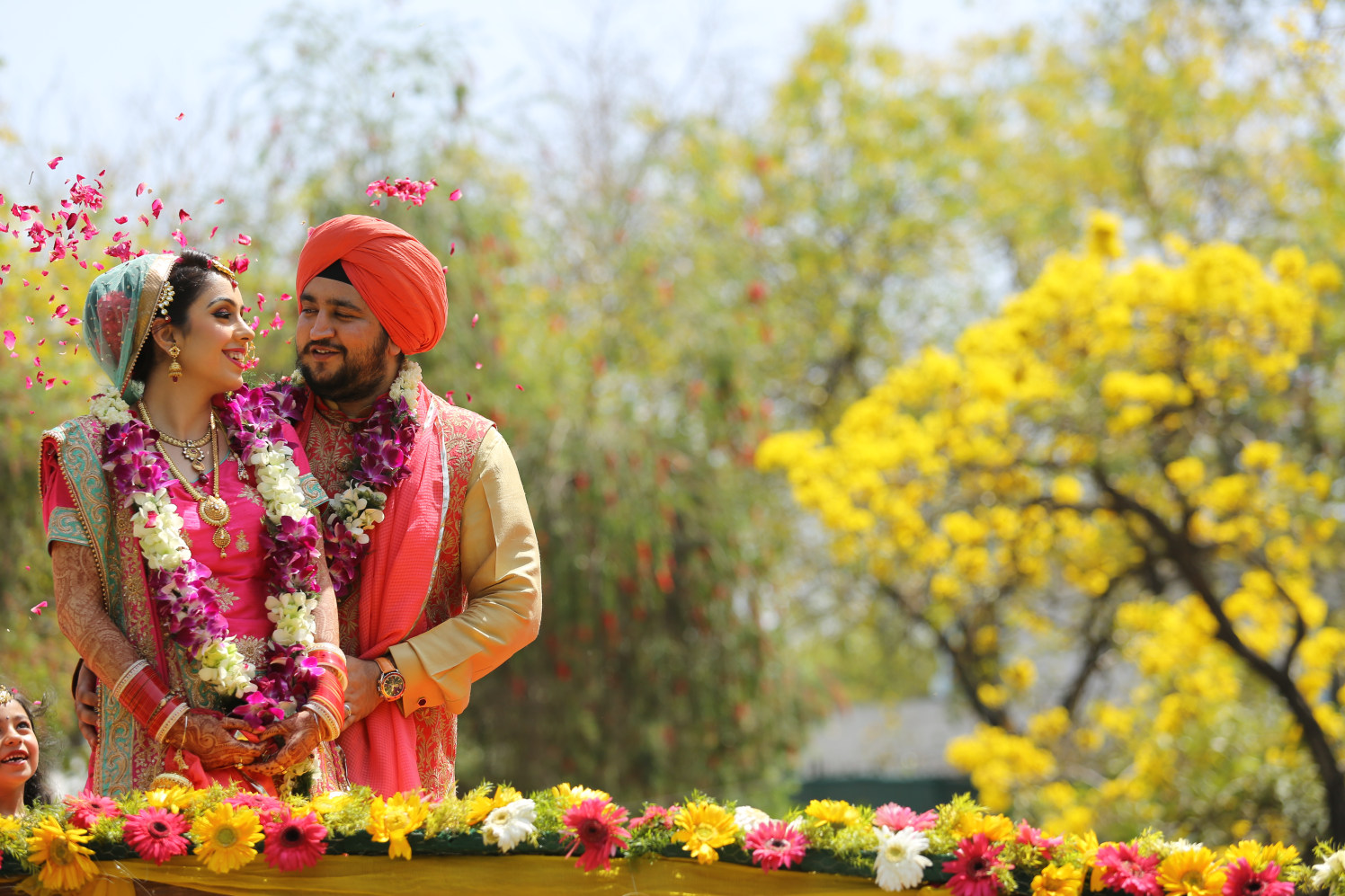 Stunning Background for Photoshoot of Bride and Groom by Amit Kumar Wedding-photography | Weddings Photos & Ideas