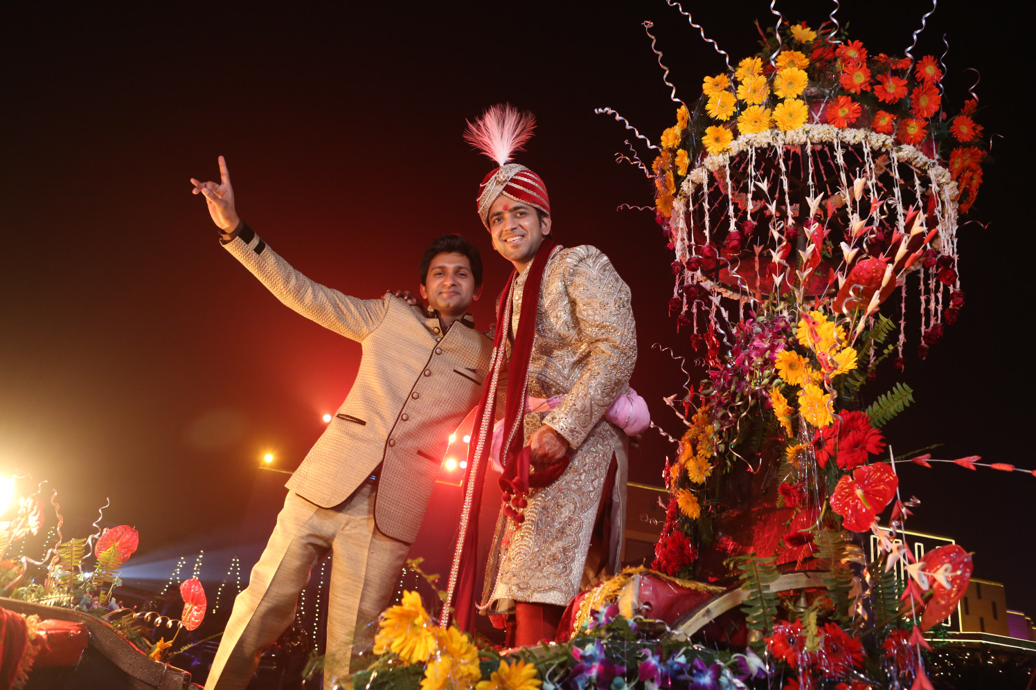 Groom Poses With a Wedding Guest by Amit Kumar Wedding-photography | Weddings Photos & Ideas
