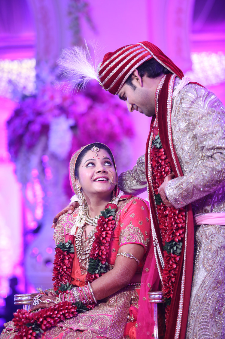 Candid Capture of the Bride and Groom During Their Wedding Ceremony by Amit Kumar Wedding-photography | Weddings Photos & Ideas