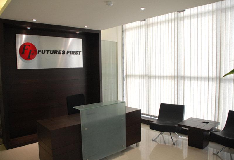 Help Desk by Kalpana Gupta Minimalistic   Interior Design Photos & Ideas