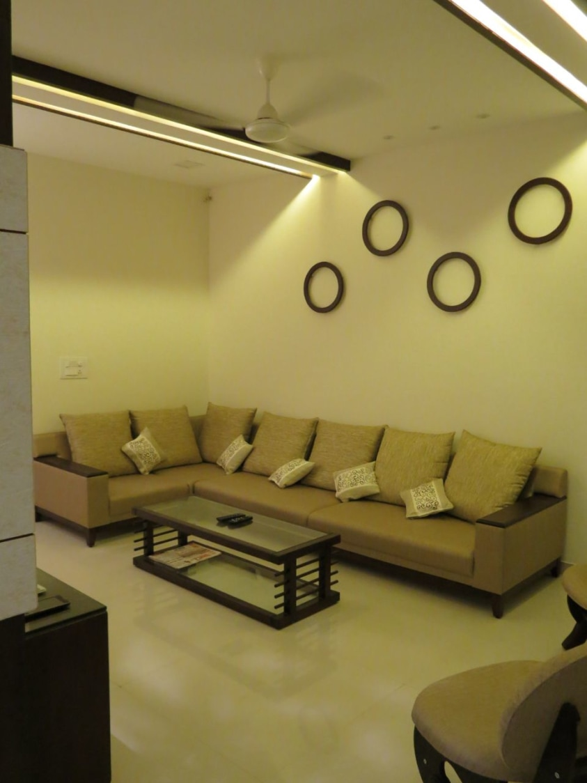 Simple living room by Rohan Tapkire