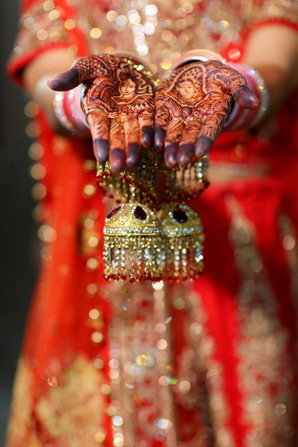 Indian Bride With Bridal Mehendi by Donil Arora Wedding-photography Bridal-mehendi | Weddings Photos & Ideas