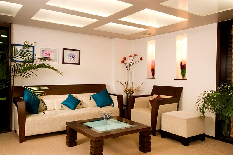 Beautiful living room by Ruchira Kulkarni