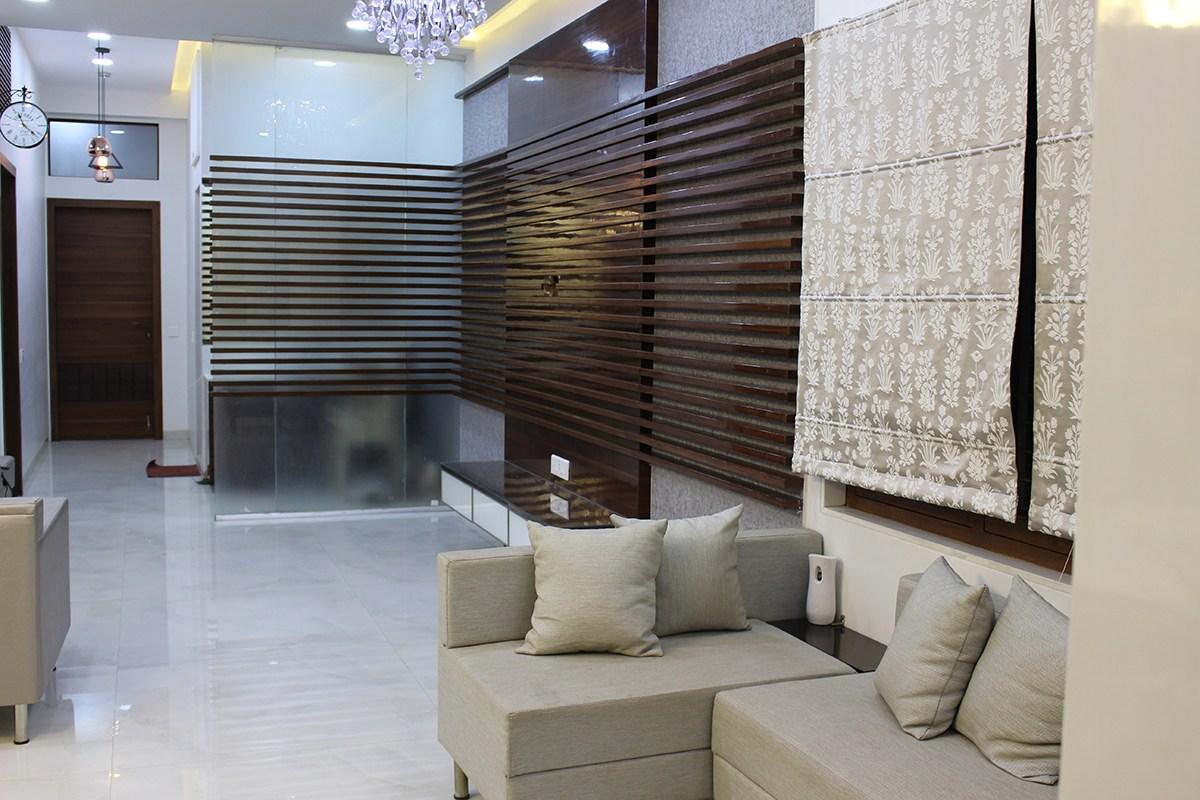 Stripes of woods by Madhura Pawar-Gujarathi Modern | Interior Design Photos & Ideas