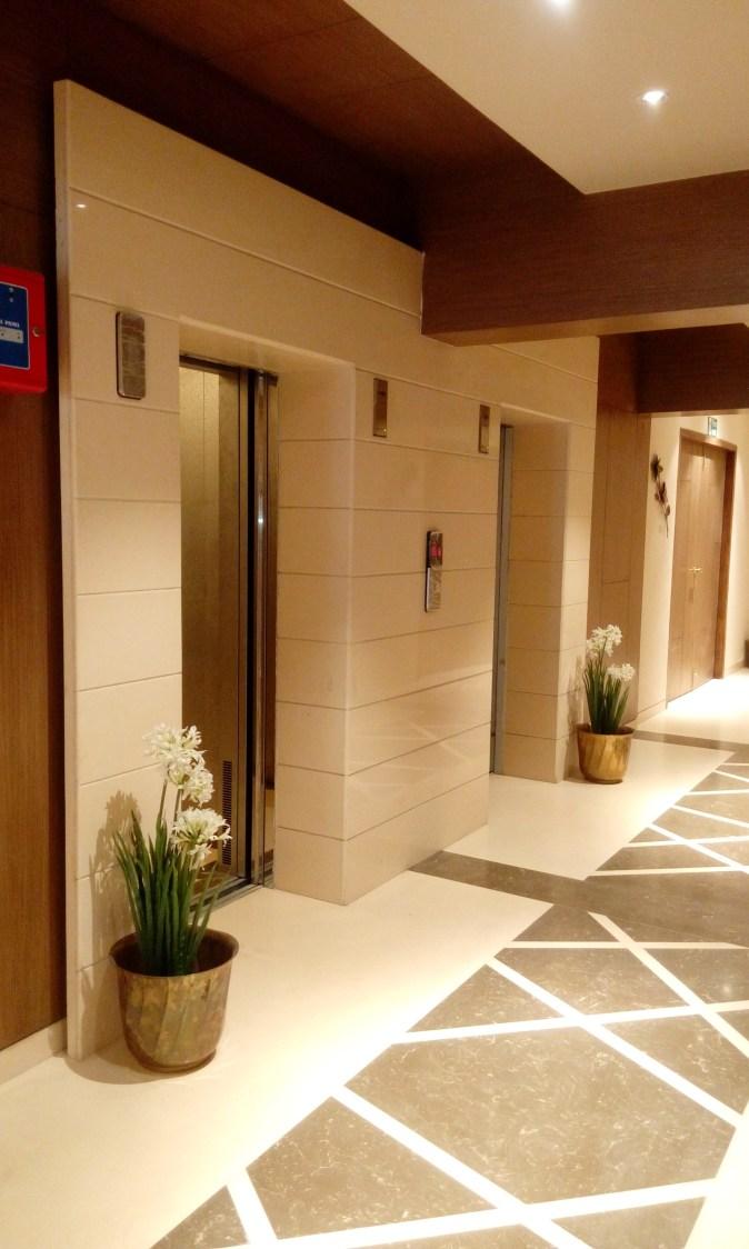 Hallway to heaven by Naitika Mistry Modern | Interior Design Photos & Ideas