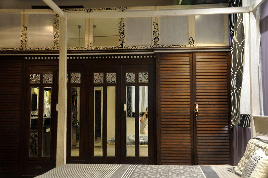 Contemporary Bedroom With Designer Wardrobe by Chaitali D Parikh Bedroom Contemporary | Interior Design Photos & Ideas