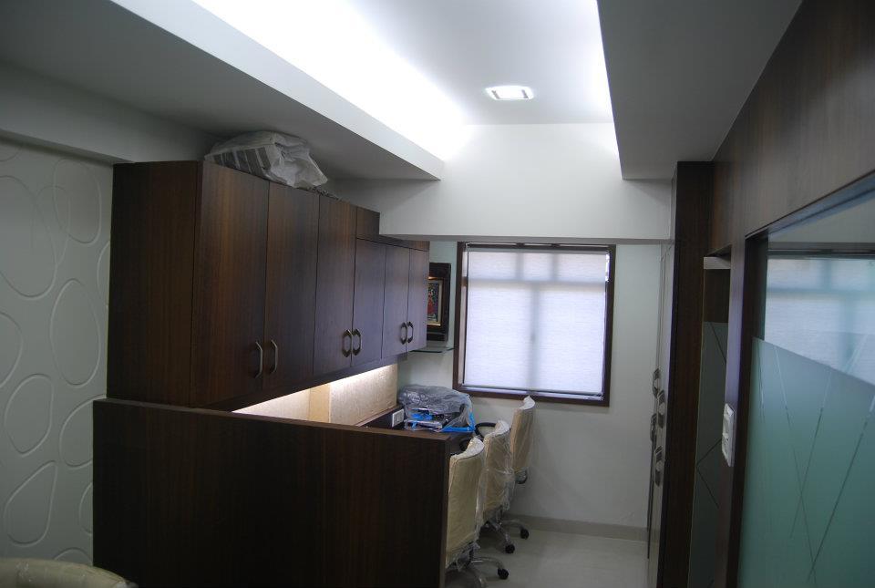 Modern Wood Finished Office Cellular Cabins by Nilesh V. Gosavi Modern   Interior Design Photos & Ideas