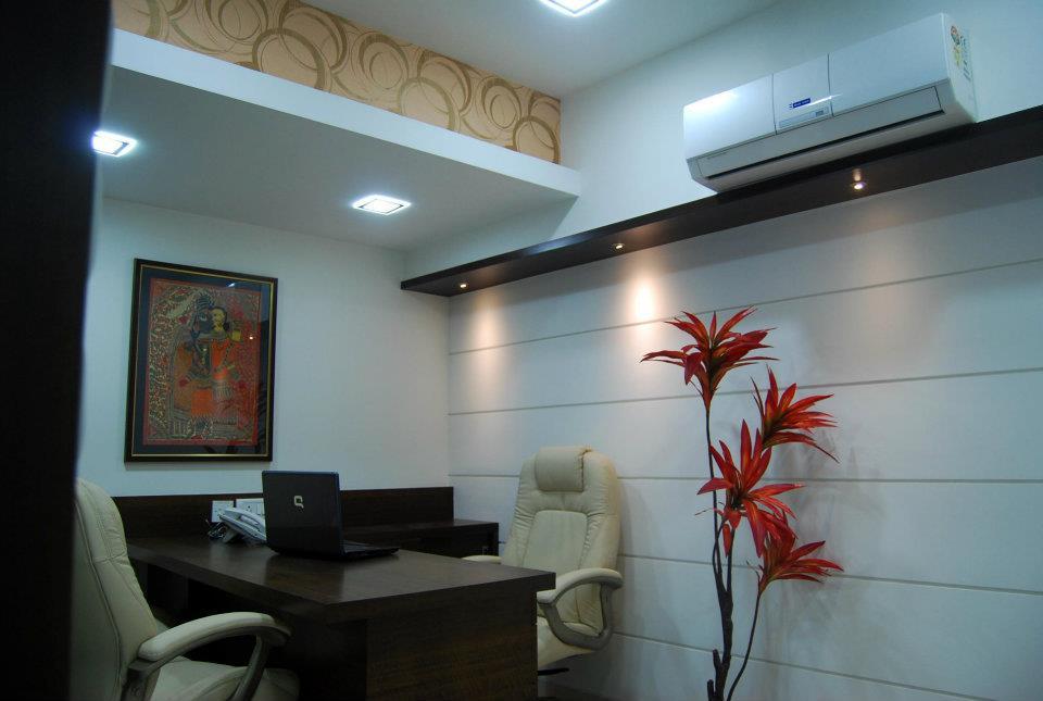 Cozy Office Cabin by Nilesh V. Gosavi Contemporary | Interior Design Photos & Ideas