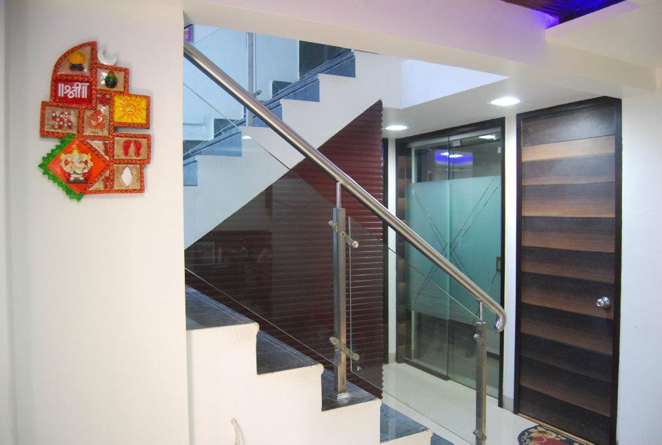 Modern Staircase Halway by Nilesh V. Gosavi Indoor-spaces Modern | Interior Design Photos & Ideas
