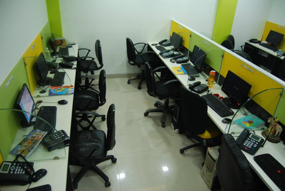 Modern OpenOffice Space by Nilesh V. Gosavi Modern | Interior Design Photos & Ideas