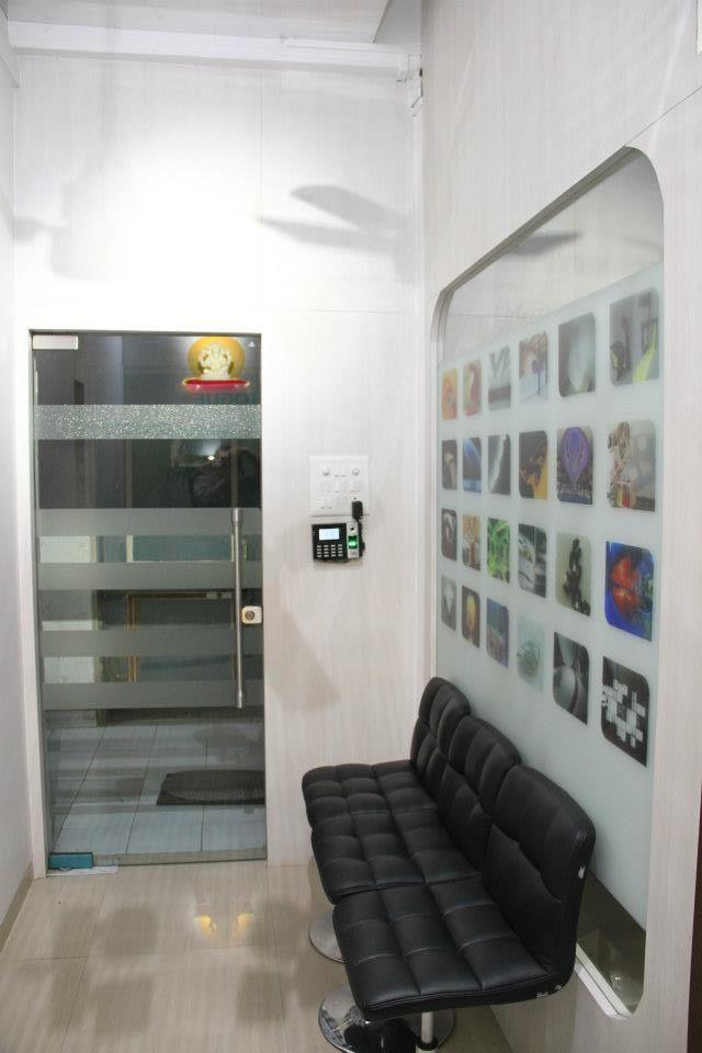Commercial Space by Nilesh V. Gosavi Modern | Interior Design Photos & Ideas