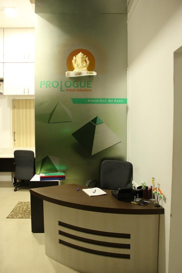 Modern office Reception Desk by Nilesh V. Gosavi Modern | Interior Design Photos & Ideas