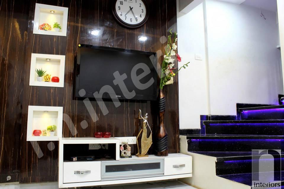 Minimalist Sleek Entertainment Unit by Nilesh V. Gosavi Living-room Minimalistic | Interior Design Photos & Ideas