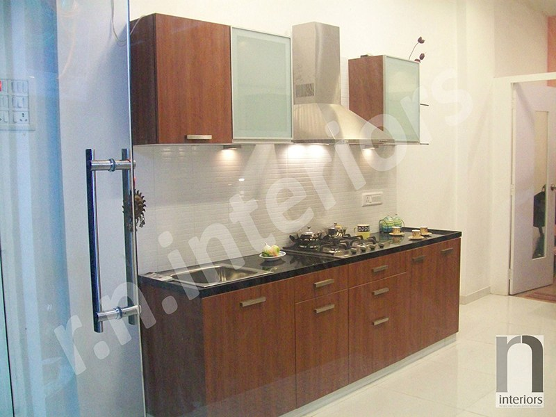 Minimalist Parallel Modular Kitchen by Nilesh V. Gosavi Modular-kitchen Minimalistic | Interior Design Photos & Ideas