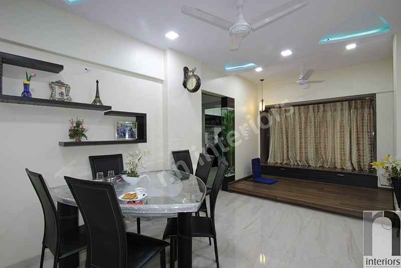 Modern Dining Table by Nilesh V. Gosavi Modern | Interior Design Photos & Ideas