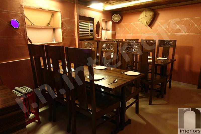 Contemporary 90s Fine Dine Restaurant by Nilesh V. Gosavi Contemporary | Interior Design Photos & Ideas
