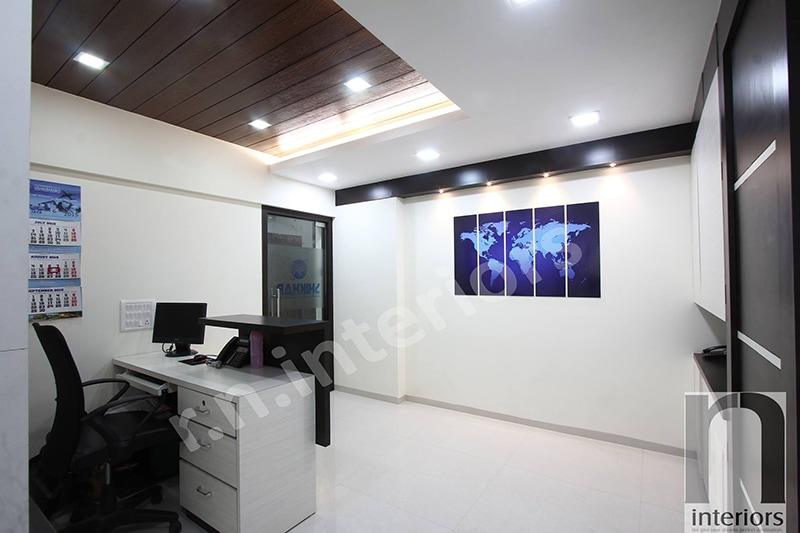 Modern Office Reception by Nilesh V. Gosavi Modern | Interior Design Photos & Ideas