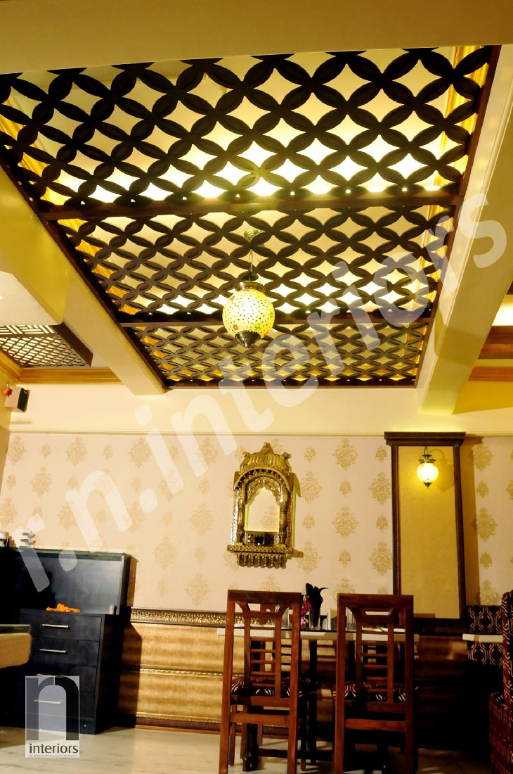 Traditional Fine Dine  Restaurant by Nilesh V. Gosavi Traditional | Interior Design Photos & Ideas