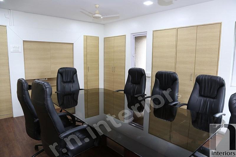 Modern Office Conference Room by Nilesh V. Gosavi Modern   Interior Design Photos & Ideas