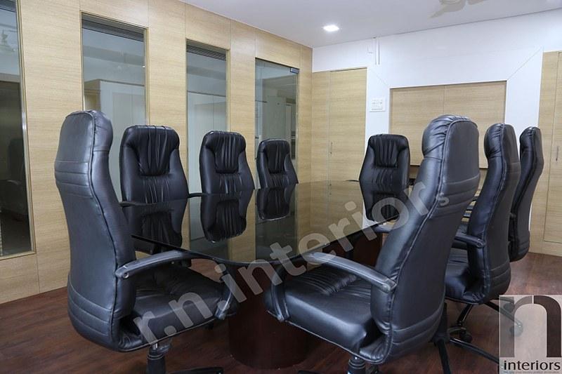 Modern Office Conference Room by Nilesh V. Gosavi Modern | Interior Design Photos & Ideas