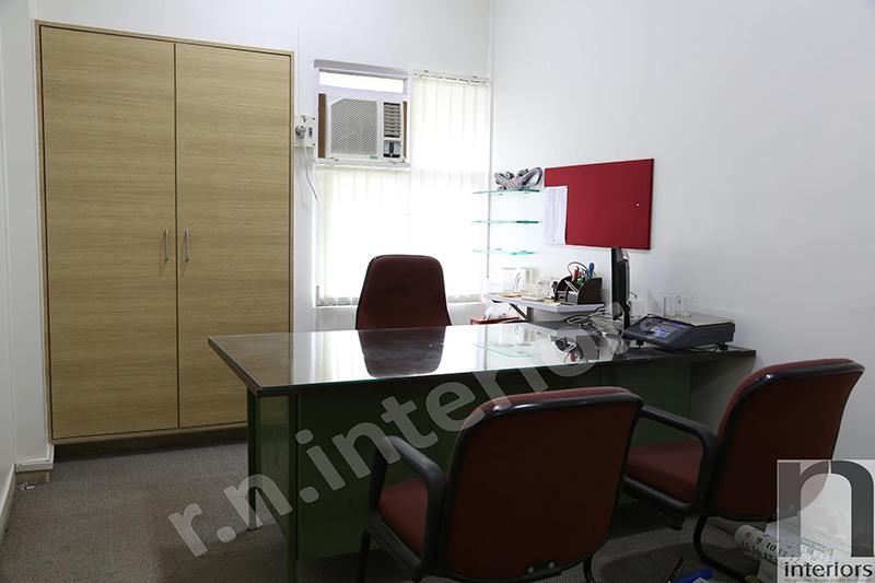 Modern Office Cabin by Nilesh V. Gosavi Modern | Interior Design Photos & Ideas