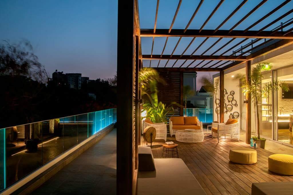 living room in open sky by Fehmida Memon  Modern | Interior Design Photos & Ideas