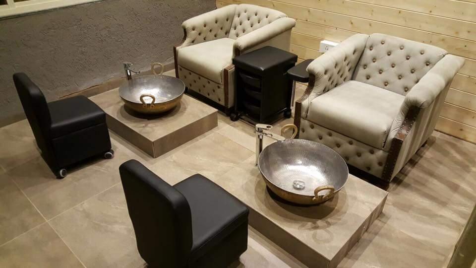 foot massage by Fehmida Memon  Modern | Interior Design Photos & Ideas