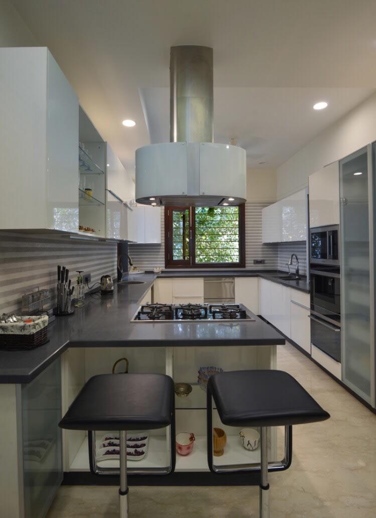 White Themed Open Peninsula Kitchen by Ganpat mistry Modular-kitchen Modern | Interior Design Photos & Ideas