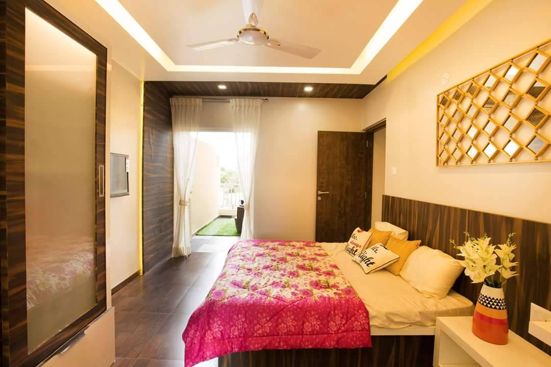 Modern Bedroom With Urban Finesse by reshma agarwal Modern | Interior Design Photos & Ideas