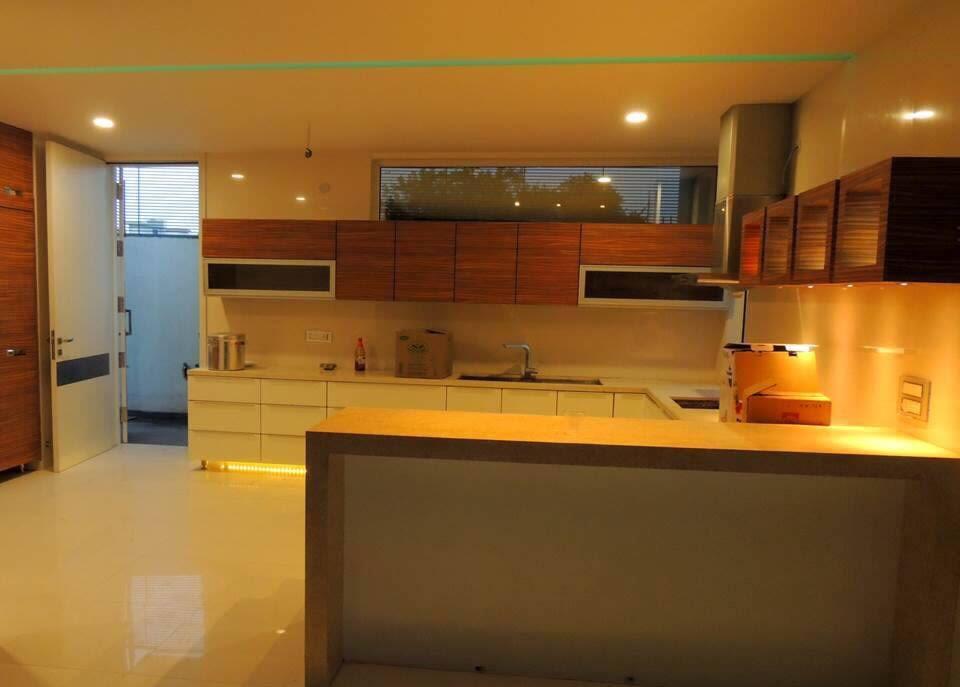 Modular Kitchen by Space It Up Modular-kitchen Modern | Interior Design Photos & Ideas