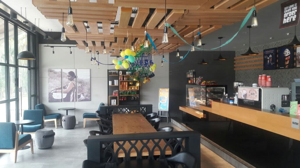 Modern Cafe by Advaya Gowda Modern | Interior Design Photos & Ideas