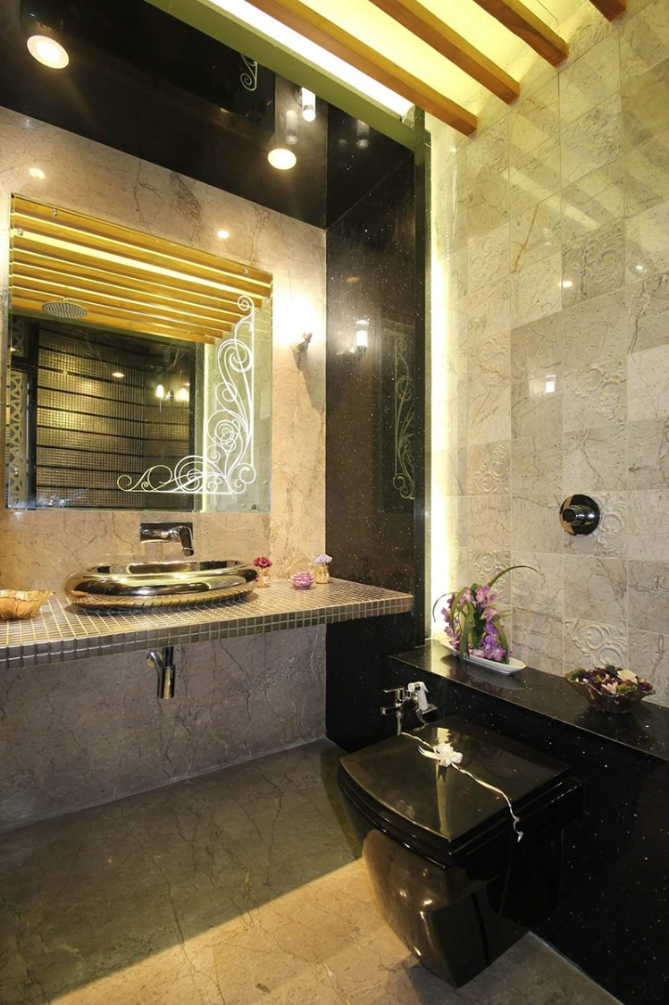 Fancy Bathroom by Navin Srivastava Modern | Interior Design Photos & Ideas