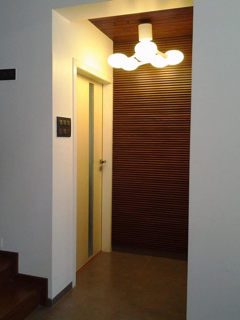 Hallway by Poorva Palav Indoor-spaces Modern | Interior Design Photos & Ideas