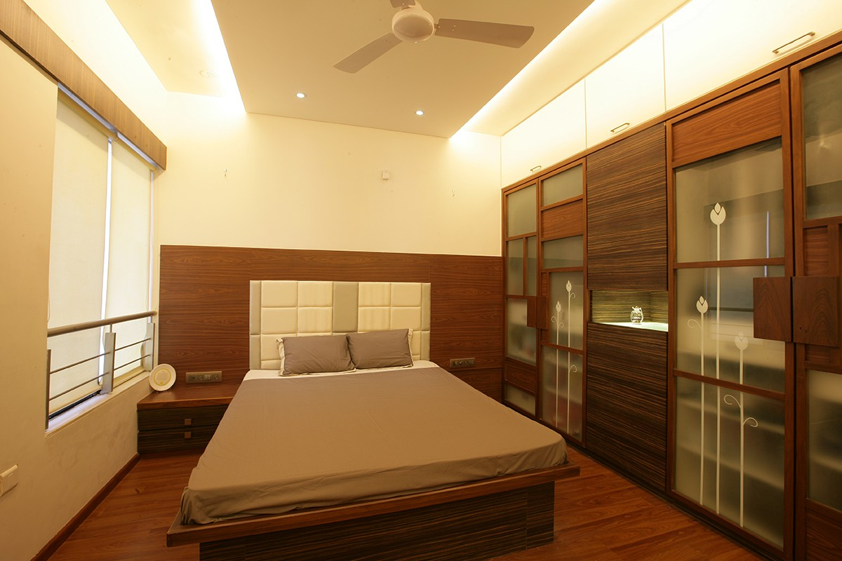 Simple Bedroom by Poorva Palav Bedroom Eclectic | Interior Design Photos & Ideas